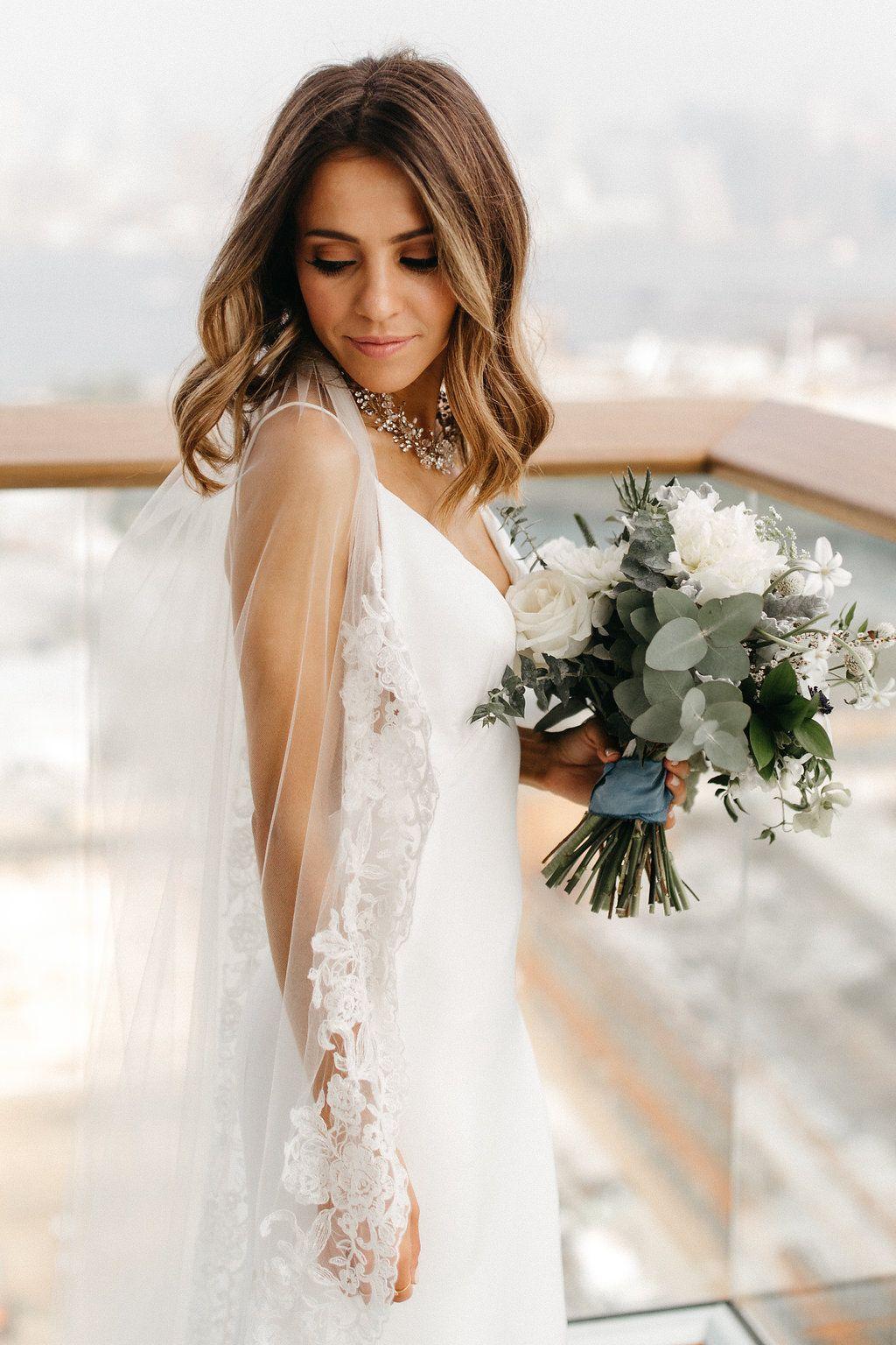 Summer Spring Wedding Dress Ideas Sleeveless Lace Wedding Dress
