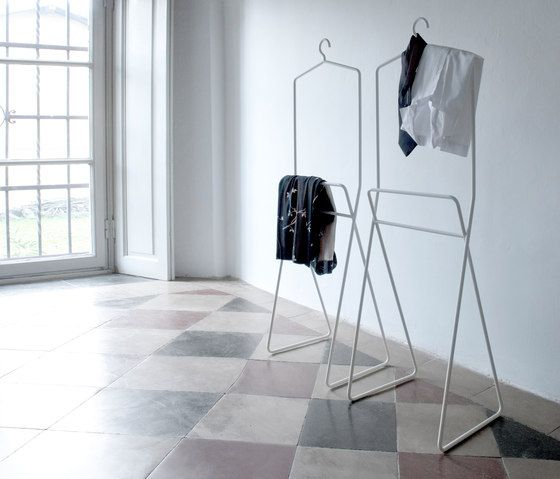 Clothes racks | Beds and bedroom furniture | Bernardo | Capo. Check it out on Architonic
