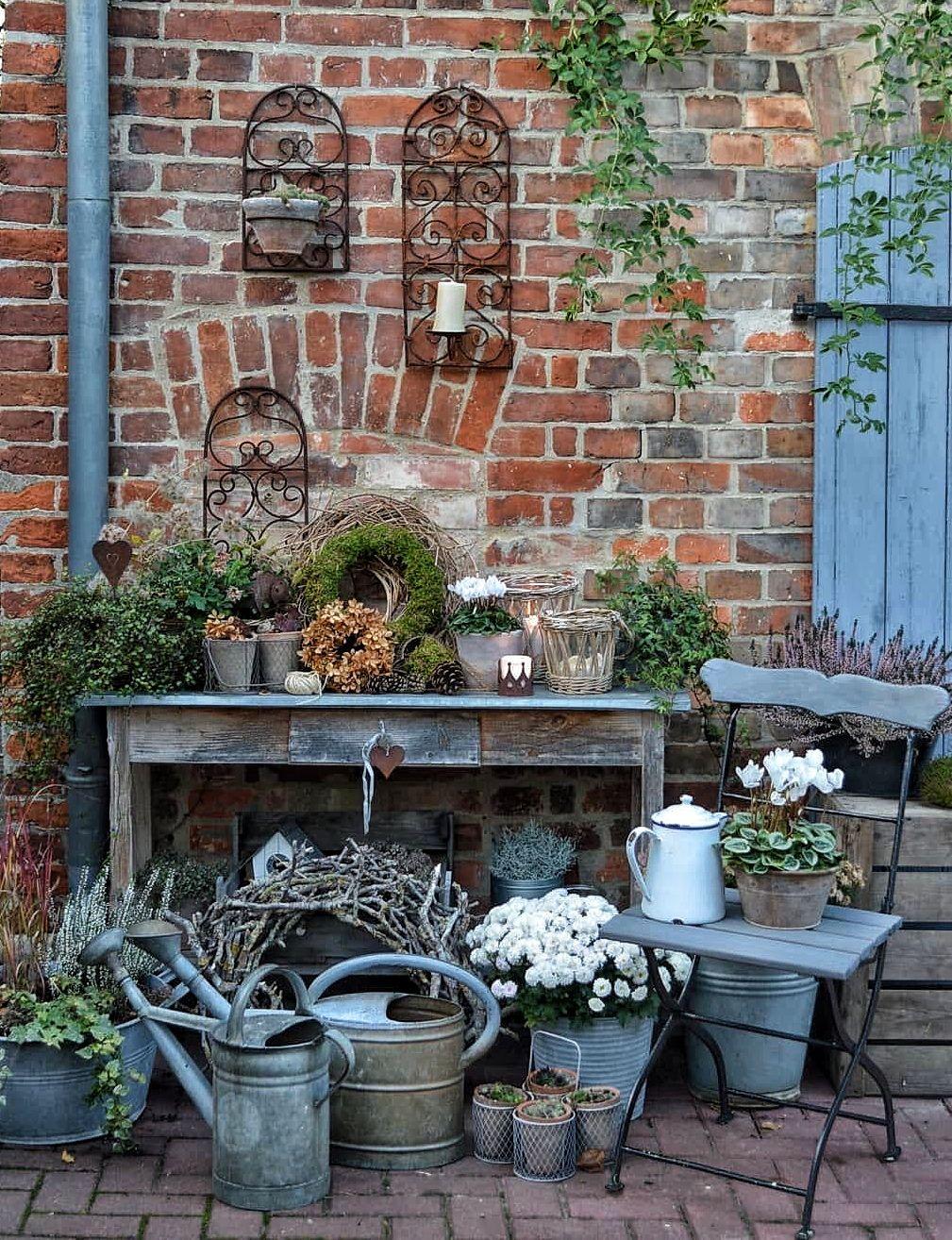 Pin Von Janka Kruzliakova Auf Garten Gardening Pflanztisch Gartendekor Gartnern Mit Wenig Platz