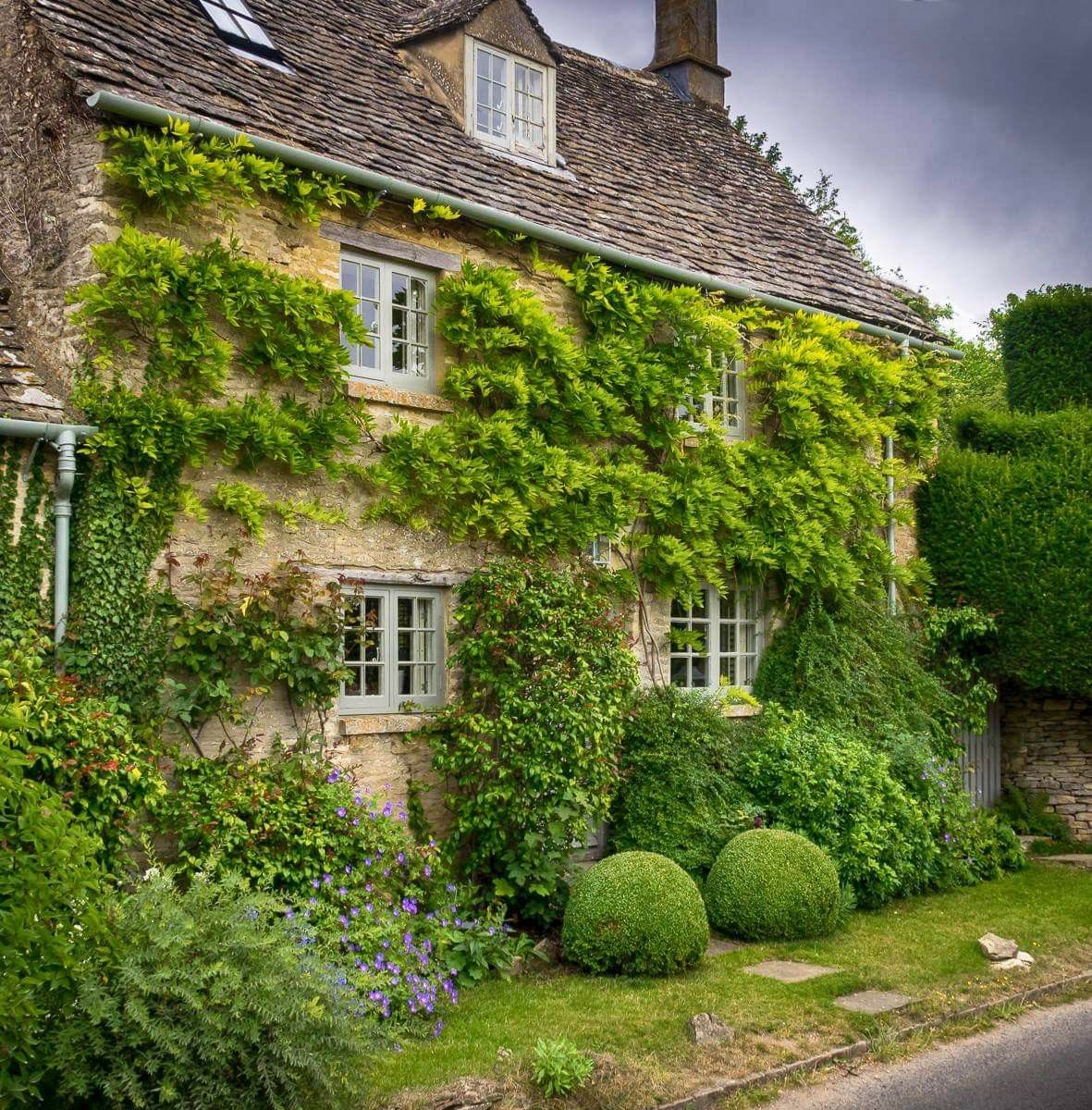 Pin By Rebecca Chargin On Country Cottages/Thatched Roof