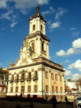 Бучацская ратуша — уникальный памятник архитектуры середины 18 века.