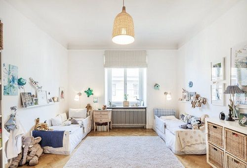 Habitaci n infantil sencilla de estilo natural n rdico for Habitacion infantil estilo nordico