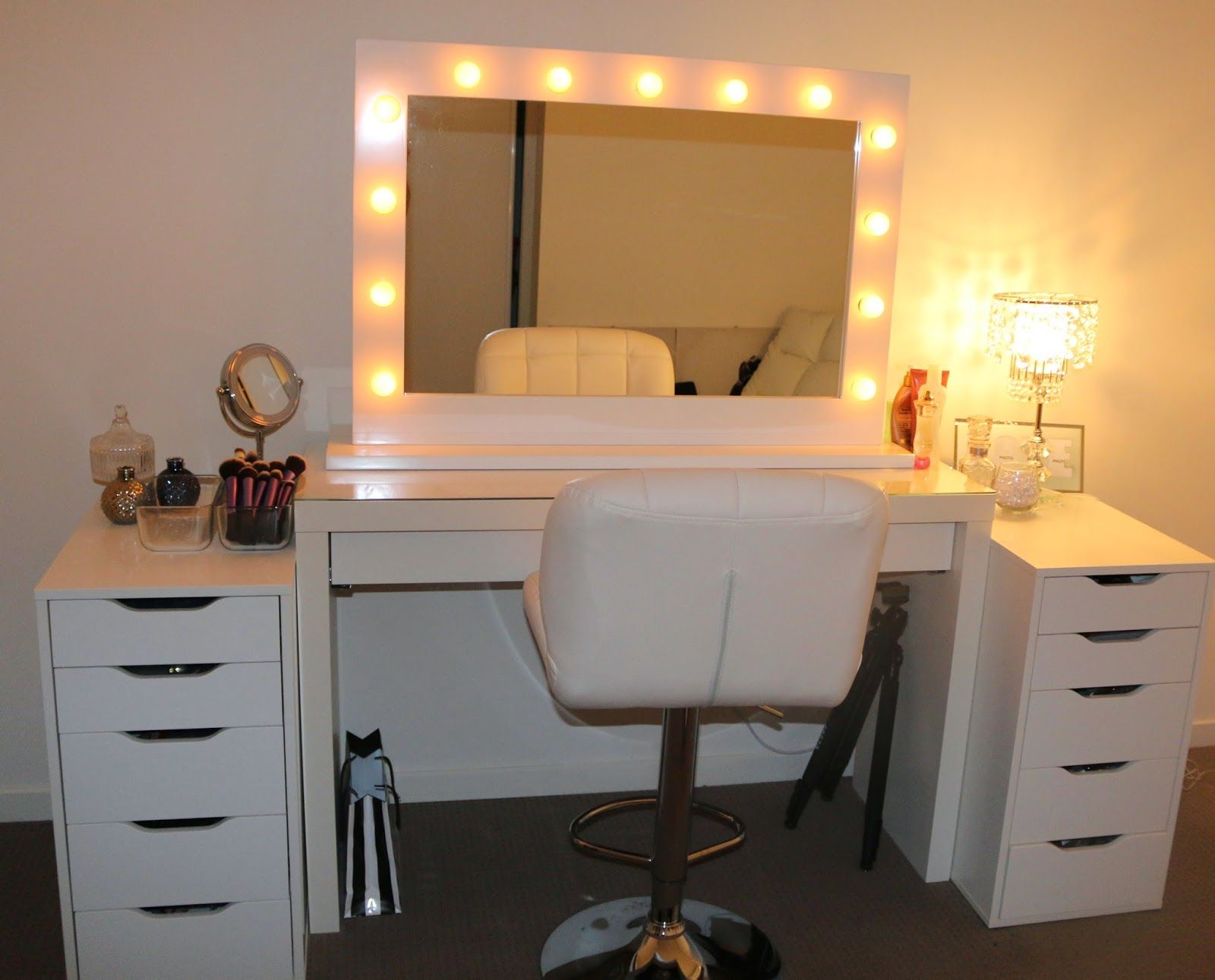 Square Mirror With Lights On Makeup Vanity Table White Chair And Drawers