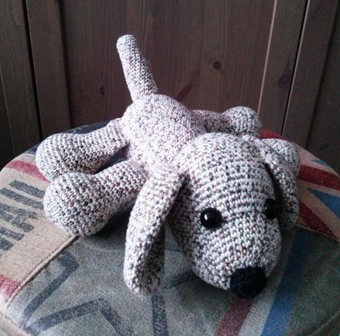 Daphne en de Wereld: Knuffel puppy With link to Dutch pattern