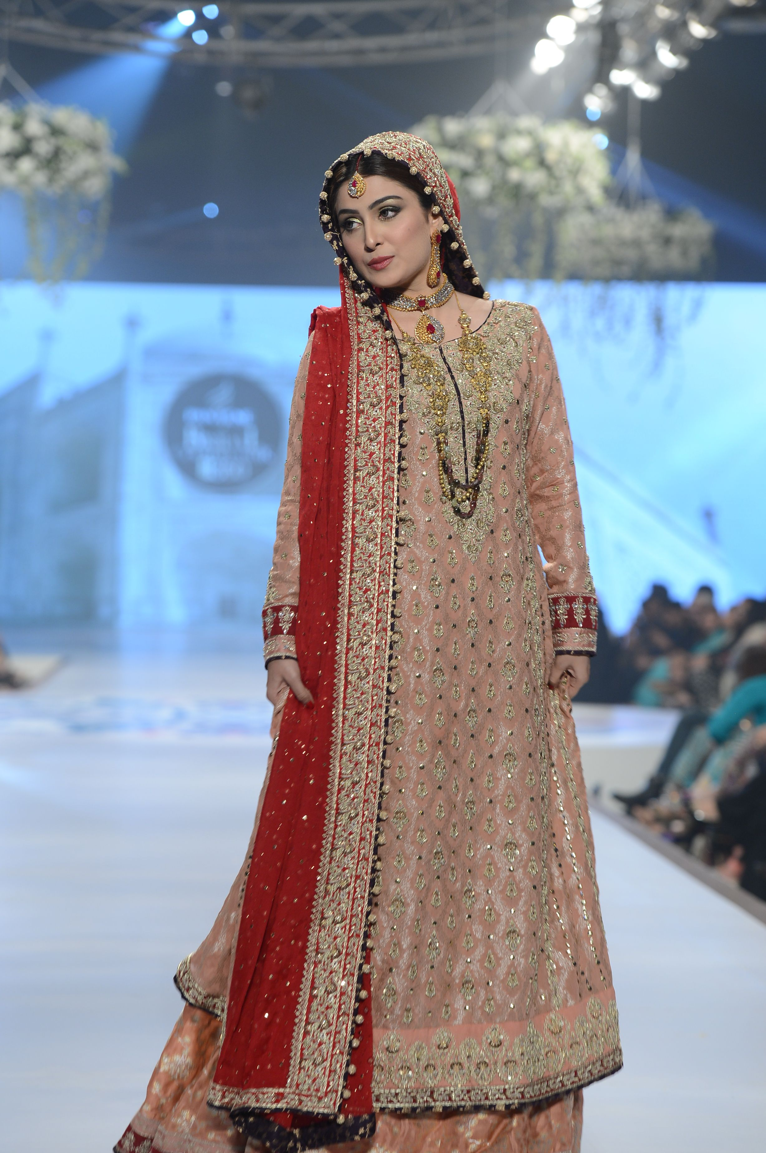 d2ab82fcb23 Bridal Couture Week 2014