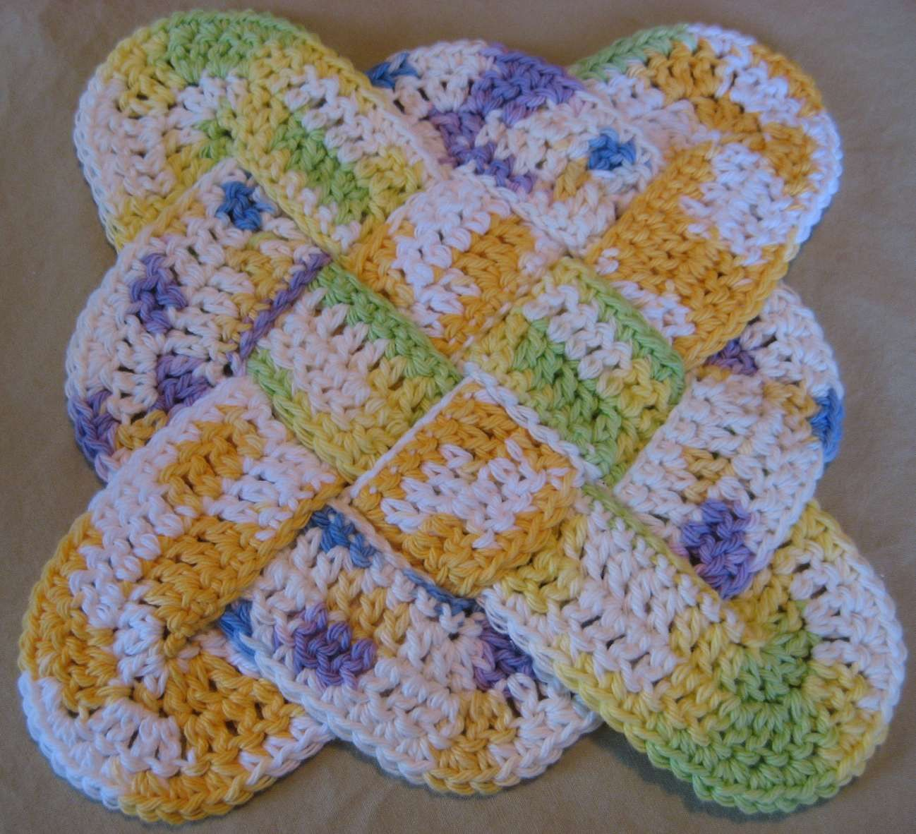 flower potholders to crochet | Easy Flower Pot Holders to Crochet ...