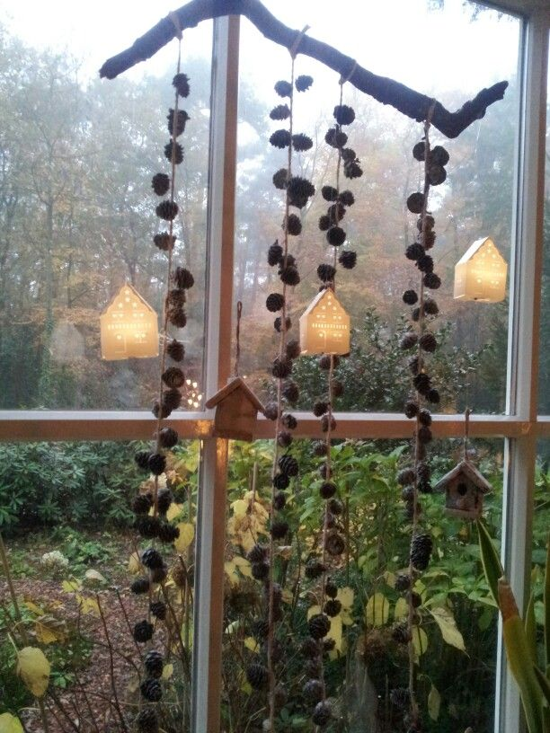 Kerst decoratie voor raam ideetjes met takken pinterest for Hangdecoratie raam
