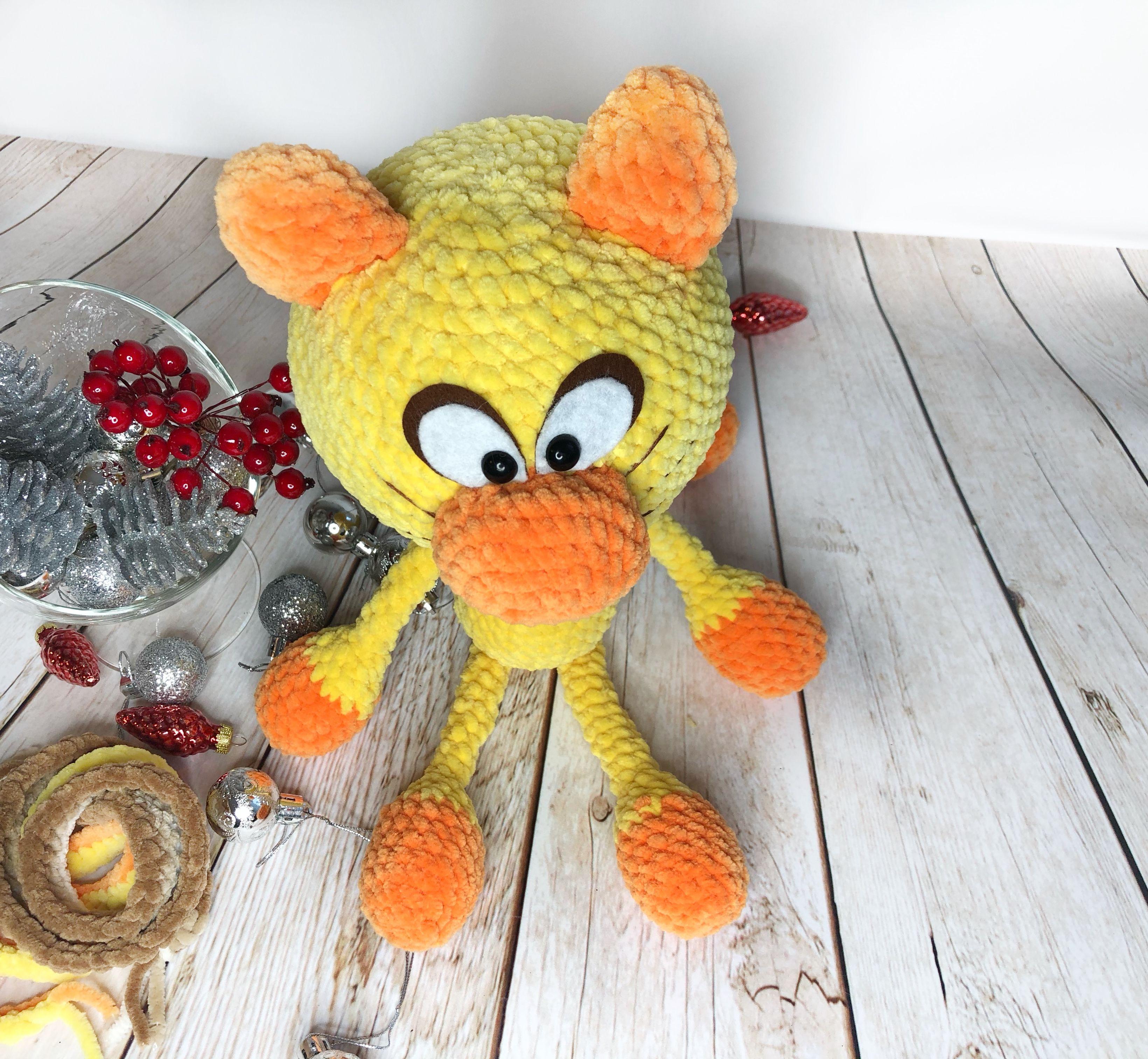 Yellow crochet cat handmade present plush toy gift for
