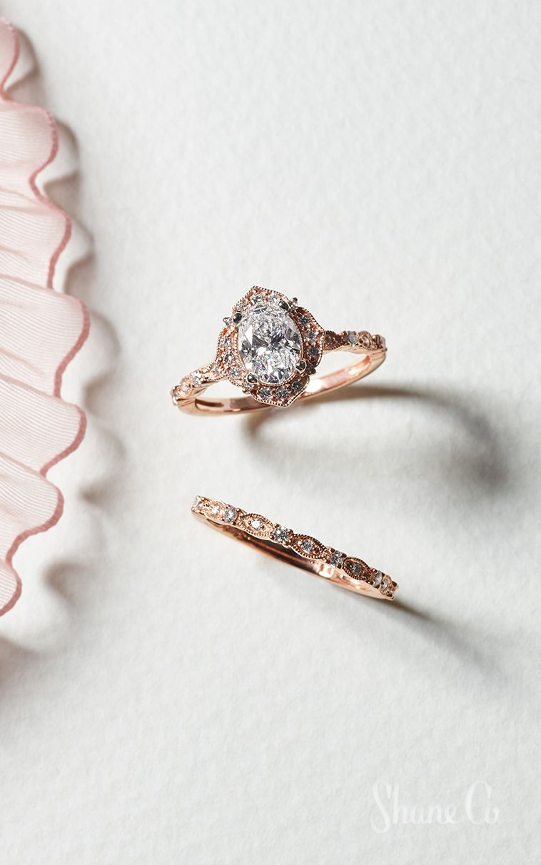 Vintage Oval Halo Diamond Engagement Ring In 2020 Rose Gold Halo Engagement Ring Rose Engagement Ring Vintage Engagement Rings