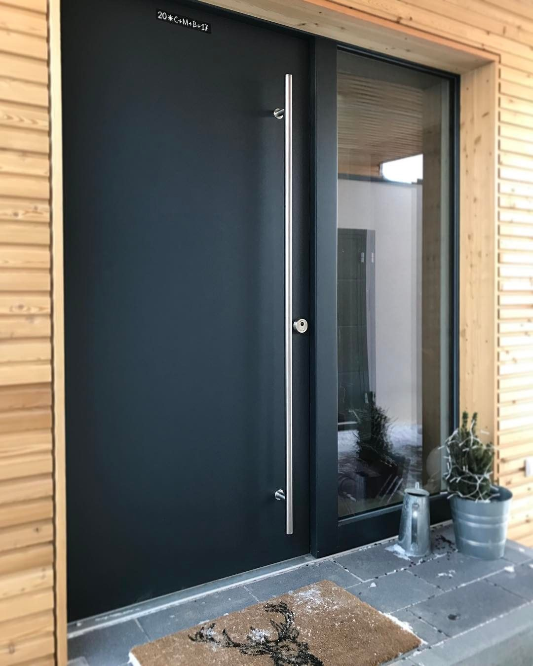 Keine Fotobeschreibung Verfugbar Moderne Haustur Haus Haus Renovierung Ideen