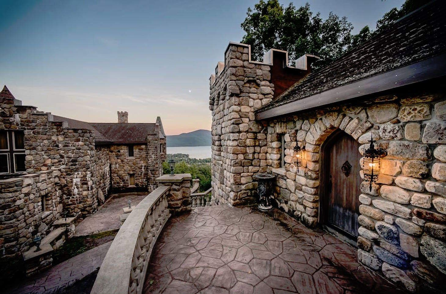 These Upstate New York Airbnbs Are Worth Planning Your