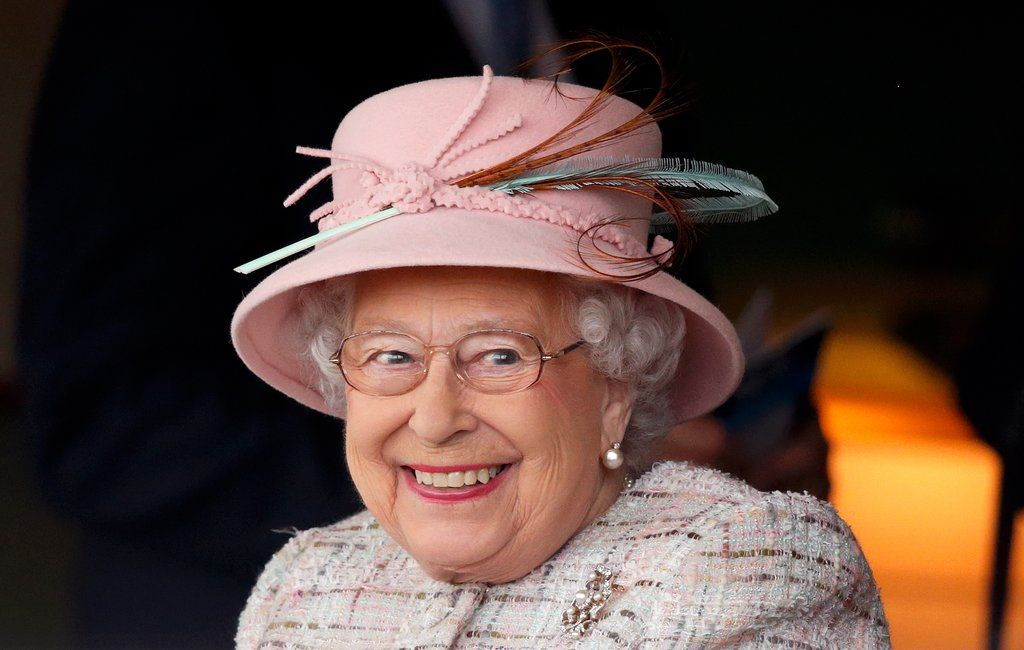 16 Of The Most Unexpectedly Funny Things Queen Elizabeth Ii Has Ever Said Queen Elizabeth British Movies Elizabeth Ii