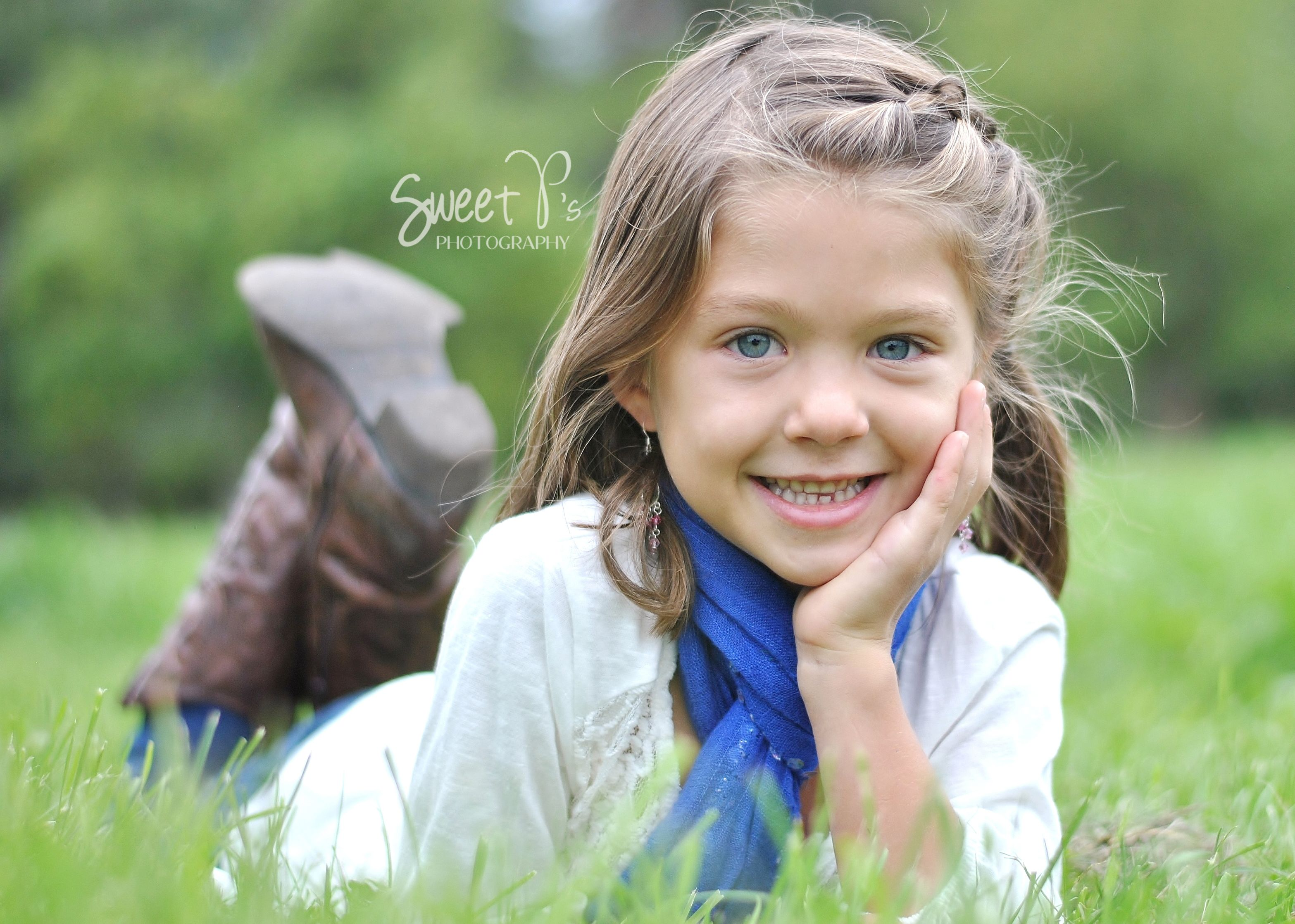 little kids fall photography poses sweet ps photography wny wwwsweetpsphotographywnycom - Picture Of Little Kids