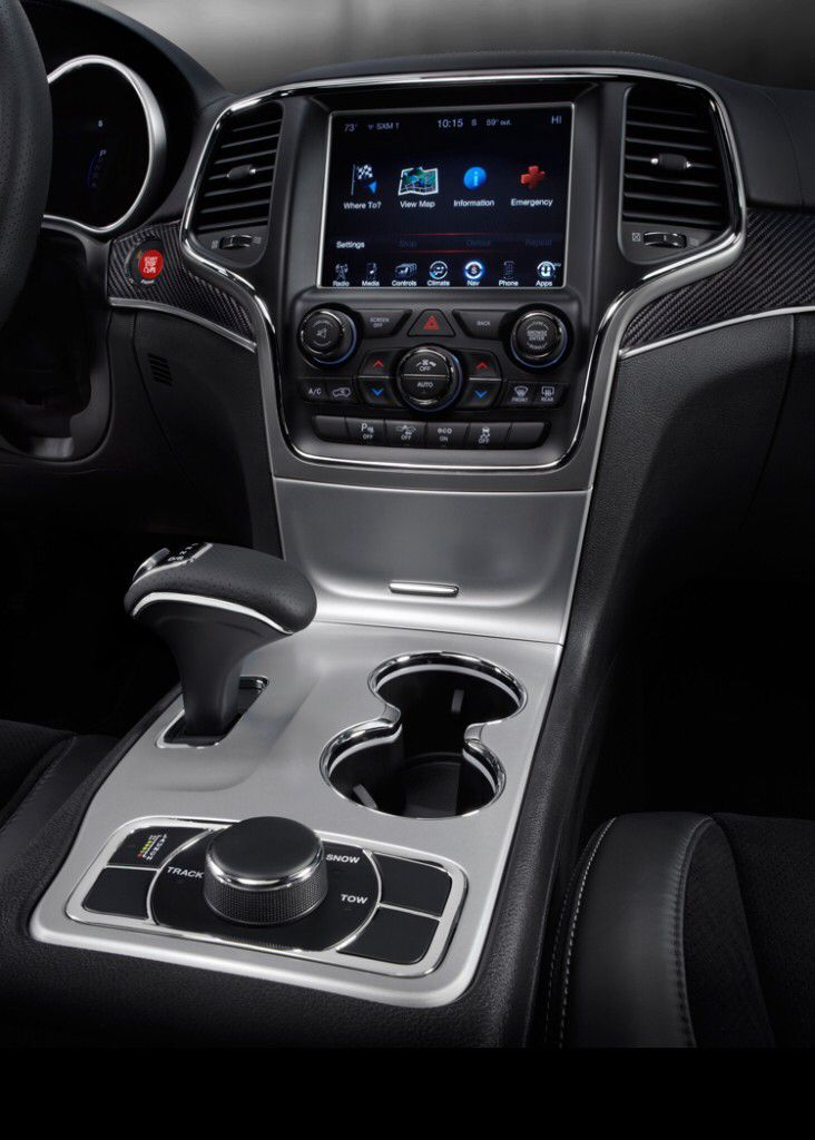 Cup Holders And Dash Jeep Grand Cherokee Srt Srt Jeep 2014 Jeep Grand Cherokee