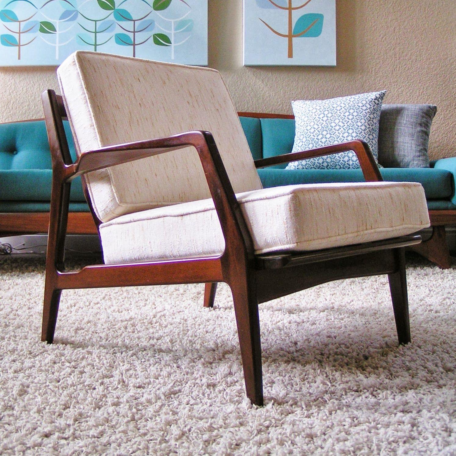 Gorgeous Mid Century Modern Teak Chair With White Cushions Mani