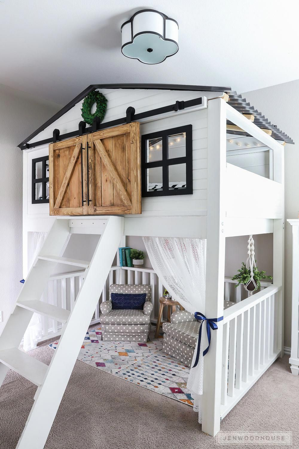 Do It Yourself Home Design: Adorable Kids Room With Amazing Loft Bed With Sliding Barn
