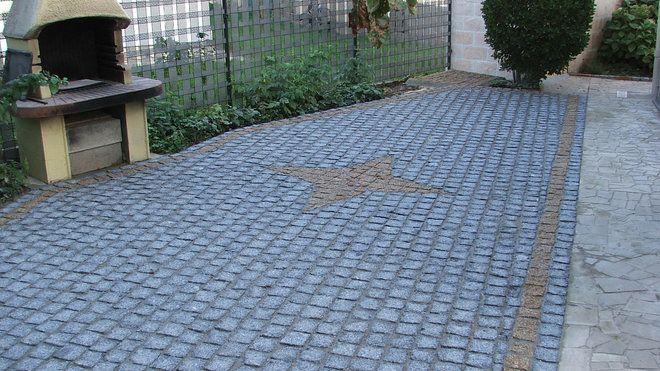 Apres Une Belle Terrasse De Paves De Granit Avec Une Etoile Contrastee En Son Centre Pose De Pave Terrasse Pave Paves De Jardin