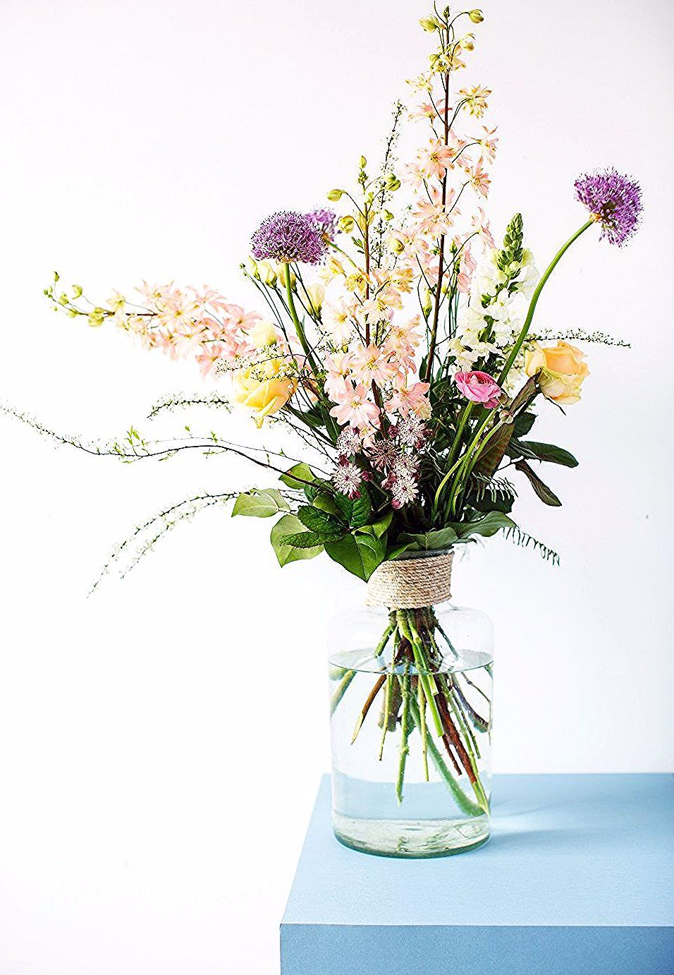 Spring Flowers With A Vintage Country Style Bottle Household Hardware By Www Thu In 2020 Beautiful Flower Arrangements Home Flower Arrangements Flower Arrangements