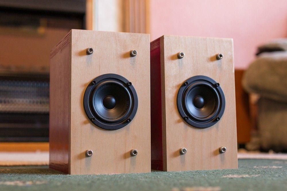 Another small full-range speaker using a Monacor SPX-30M