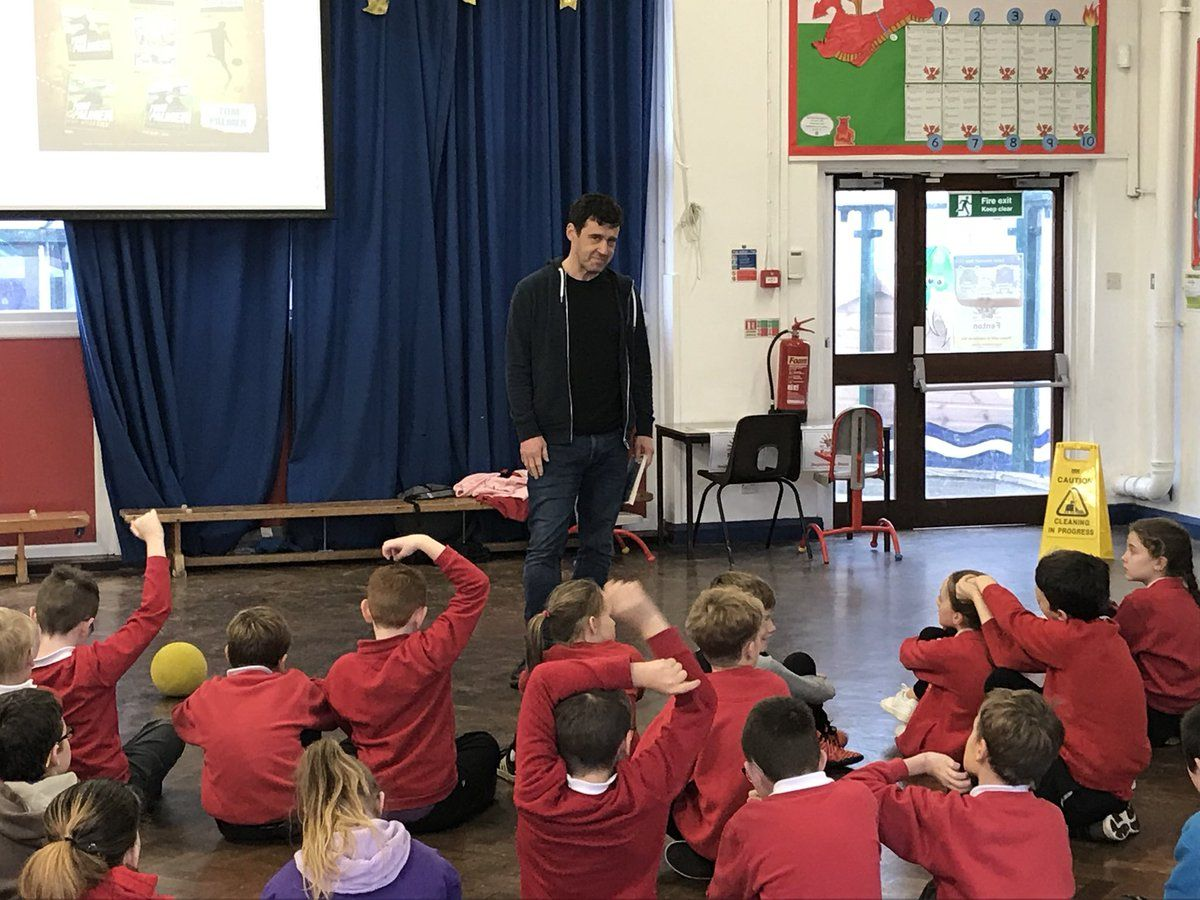 "Fenton School on Twitter: ""Year 5 enjoying a Q&A session with @tompalmerauthor… """