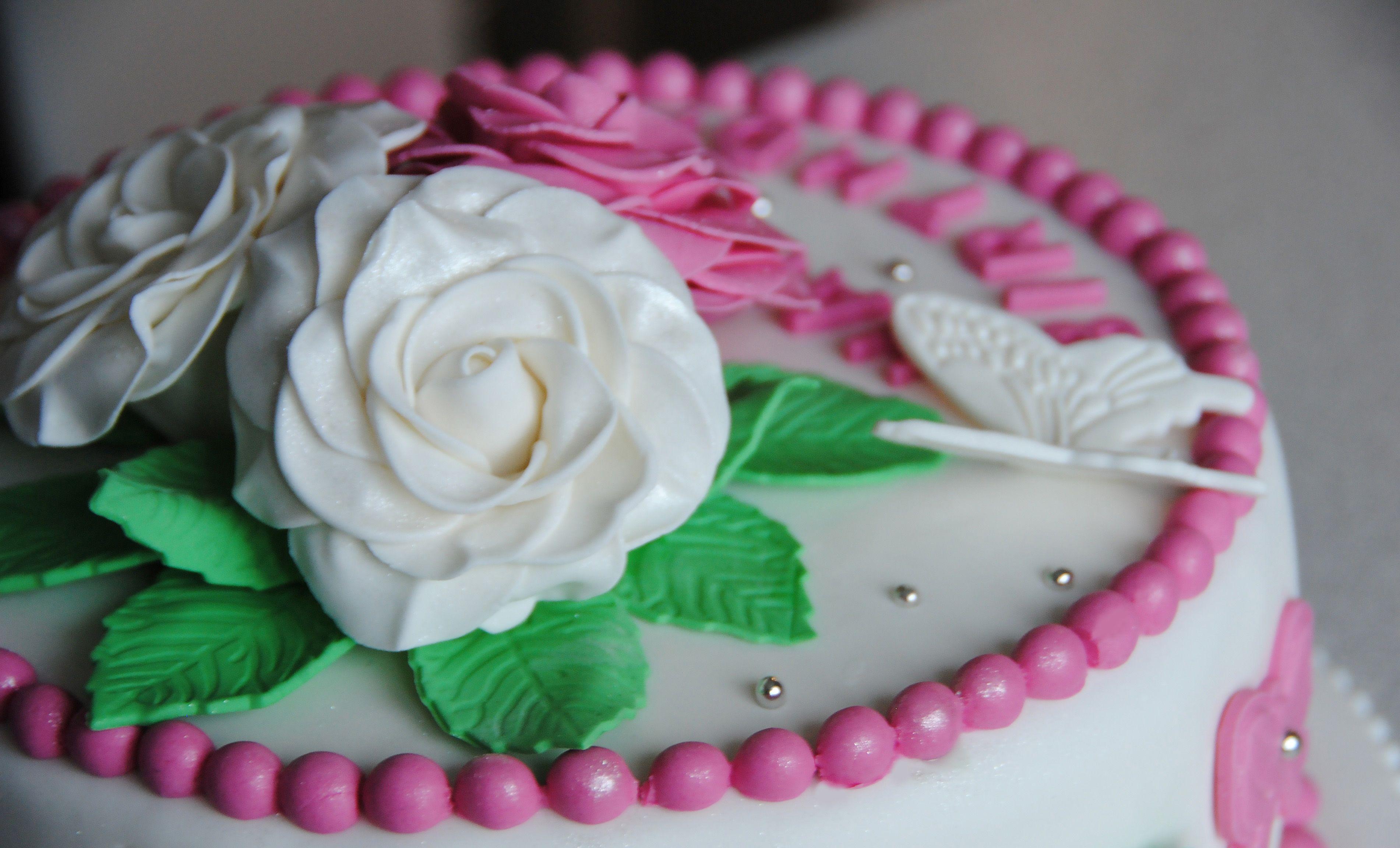 Фото работ тортов из мастики
