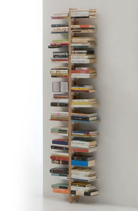 Photo of Libreria verticale a parete in massello di faggio