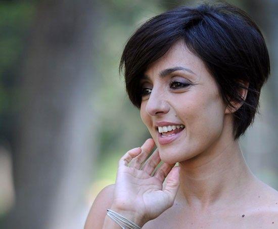 Foto nuovo taglio di capelli ambra angiolini