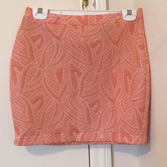 Beautiful skirt by H&M Very good condition H&M Skirts