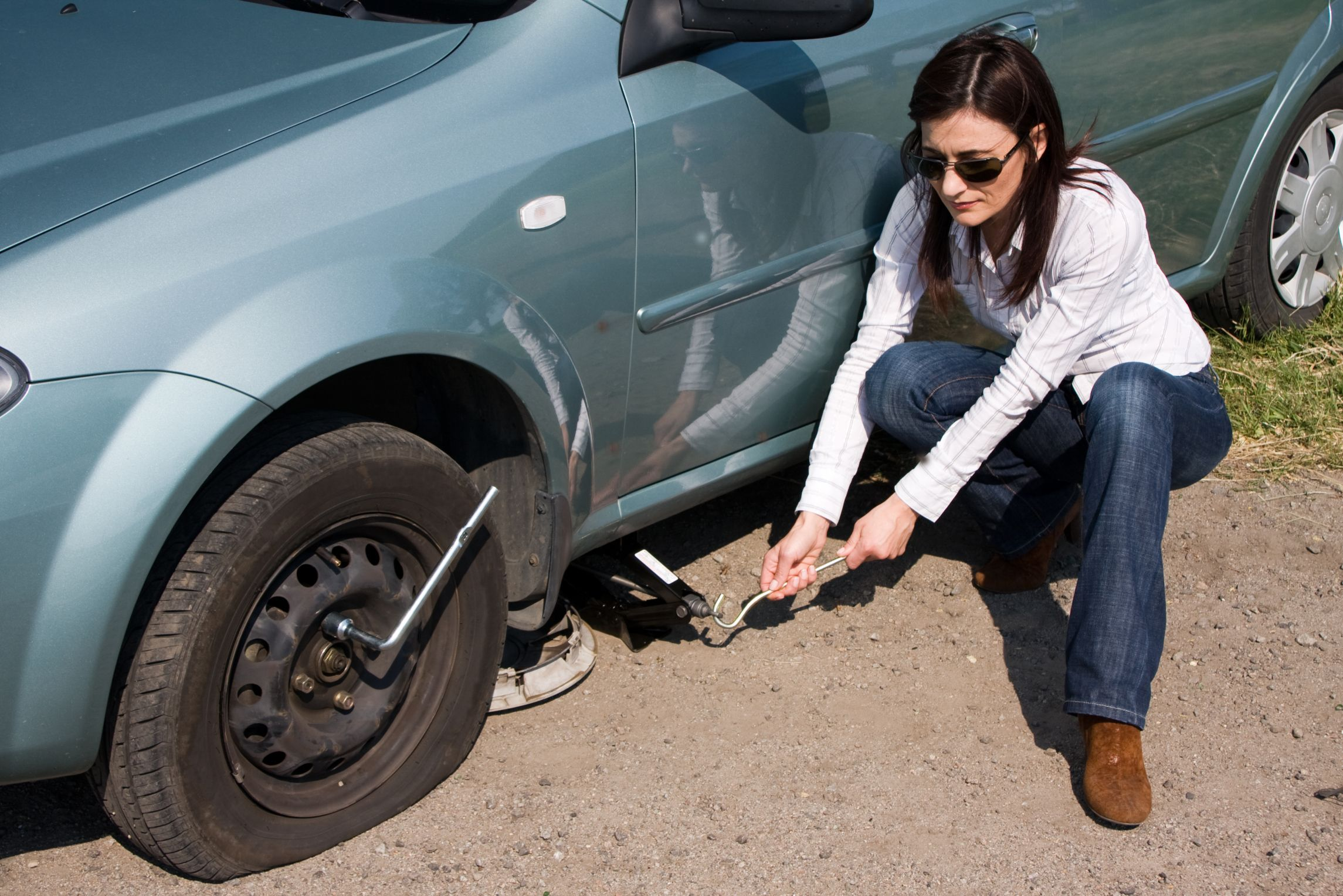 Try And Stop In A Safe Flat Spot Before Changing A Flat Tyre