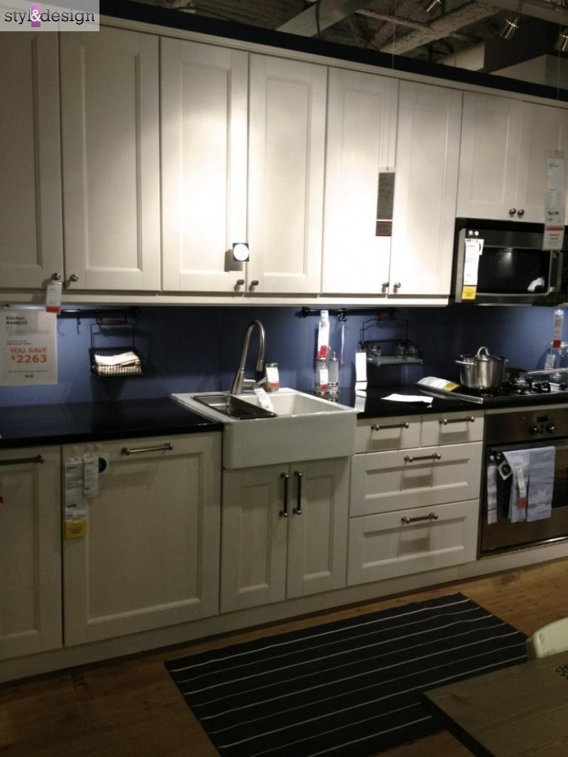Biale Meble Kuchenne Z Czarnym Blatem Kuche Ikea Kitchen