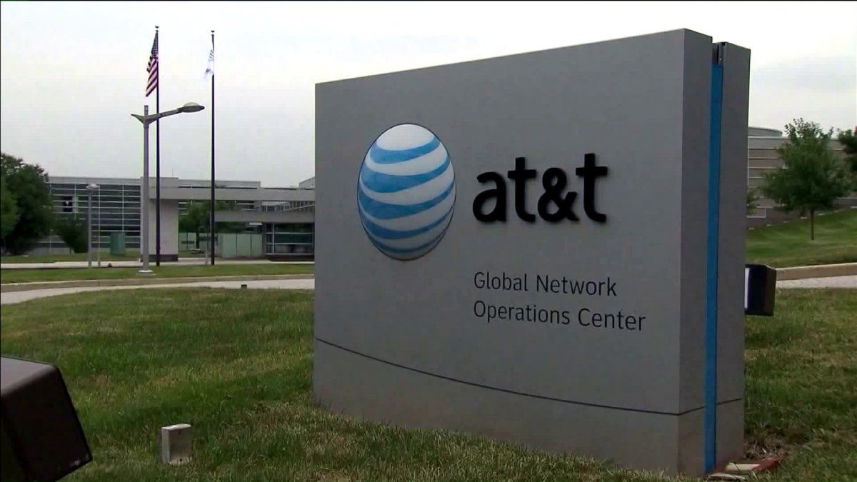 Hundreds of metro att employees laid off just before