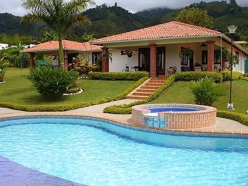 Resultado de imagen para casa campestre con piscina 2017 pinterest house tiny guest house - Casa con piscina ...