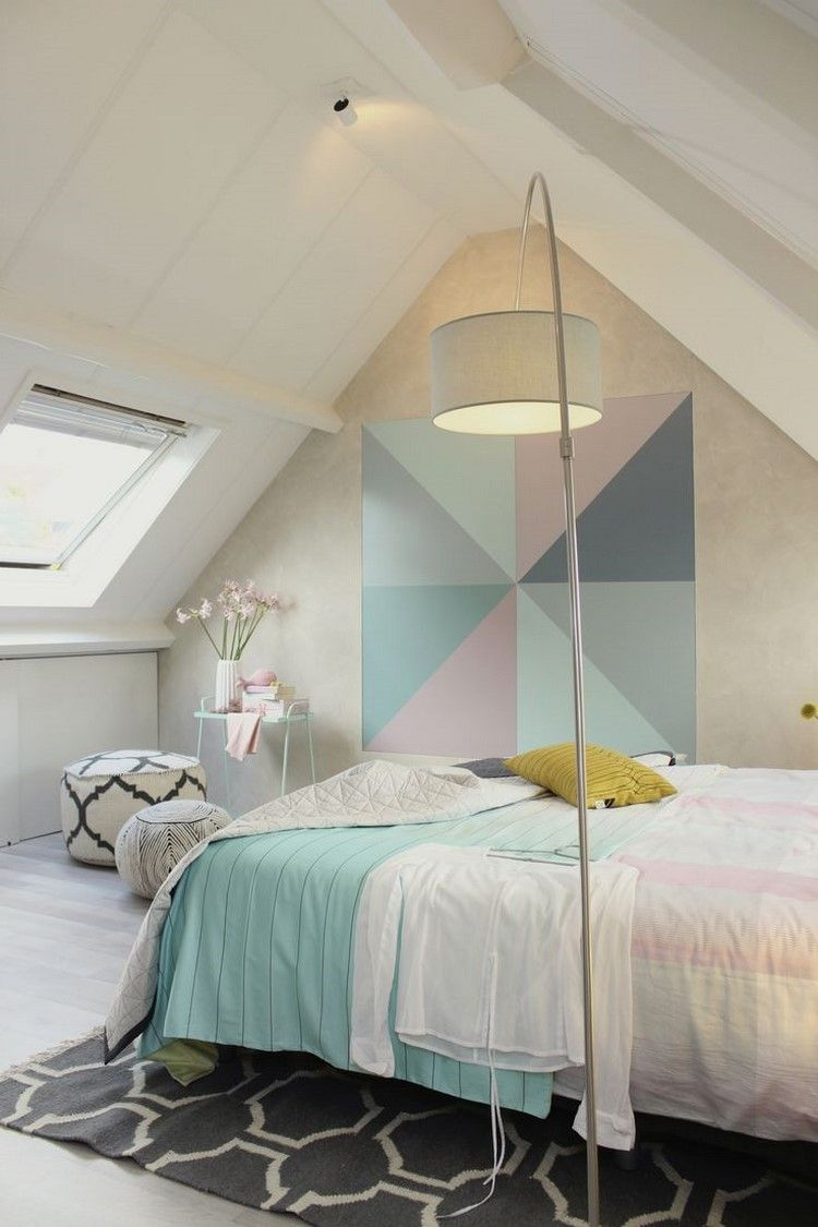 Chambre Sous Les Combles Peinture Murale En Tons Pastel Literie