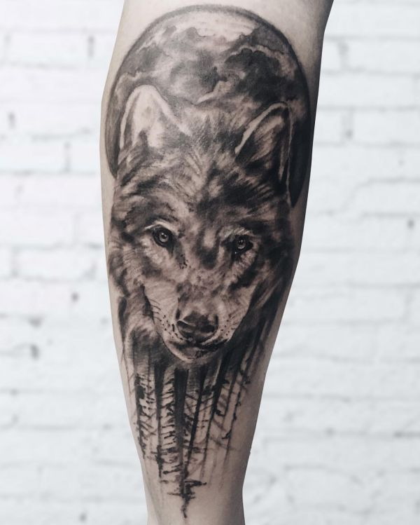 mond und wolf design am unterschenkel tattoo wolf traumf nger pinterest wolf mond und designs. Black Bedroom Furniture Sets. Home Design Ideas