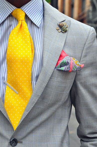 Slim tie - Light yellow with tonal chevron pattern Notch