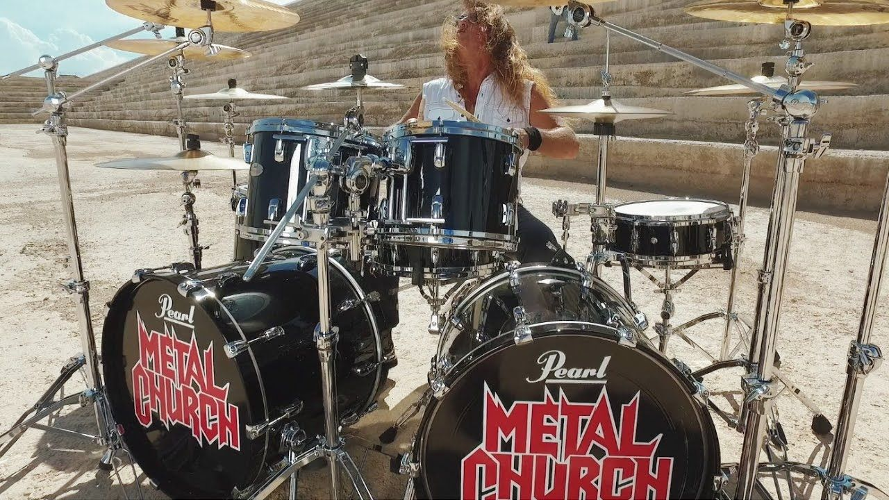 Hier das neue Video zum Song Needle And Suture vonMetal Church. Der Clip entstand unter der Regie von Jamie Brown und stammt vom aktuellen Album XI , auf dem der 2015 zur Band zurückgekehrte Sänger Mike Howe zu hören ist