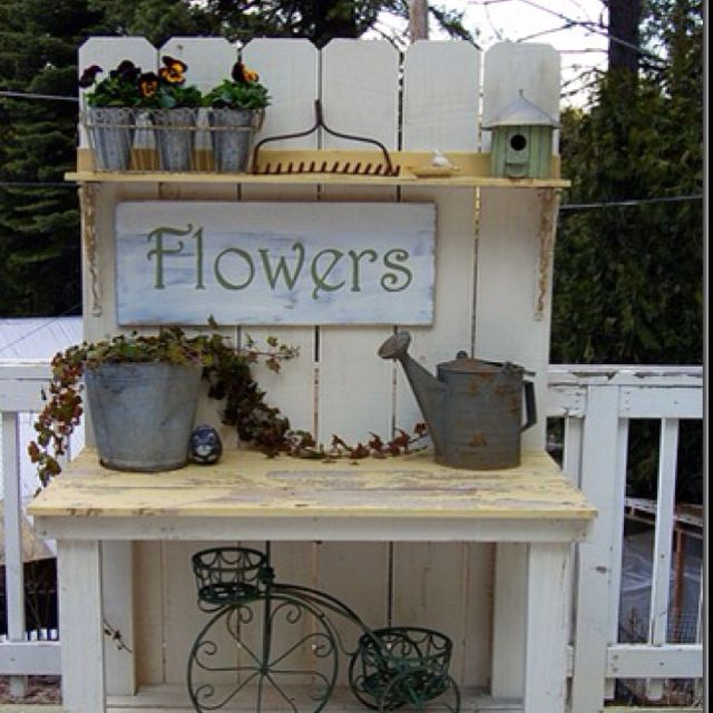 Potting bench outdoor ideas Pinterest Bench, Gardens and