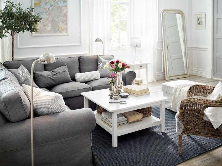 Ikea Salotti Angolari.Arredare Un Salotto Lungo E Stretto Livingroom Divano