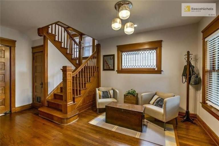 1908 Craftsman Style House For Sale In Kansas City Missouri #craftsmanstylehomes
