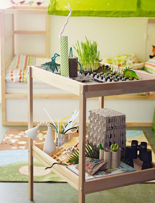 table langer ikea en bois utilis e comme plan de travail. Black Bedroom Furniture Sets. Home Design Ideas