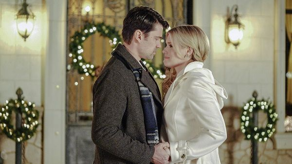 """Preview: """"Matchmaker Christmas"""" It's A Wonderful Lifetime Movie (2019) 