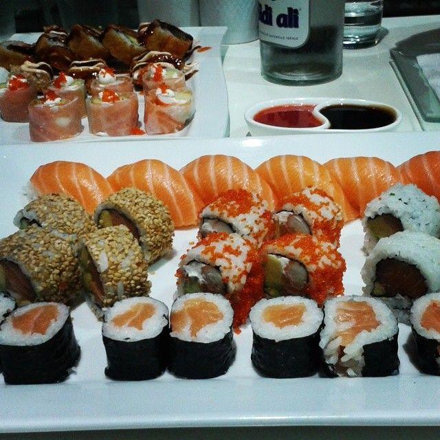Late Night Sushi Food Sushi Rice My Favorite Food