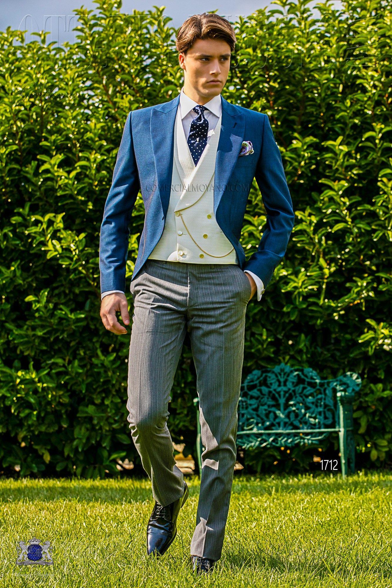 Italienisch royal blaue cut anzug mit steigendes revers und knopf