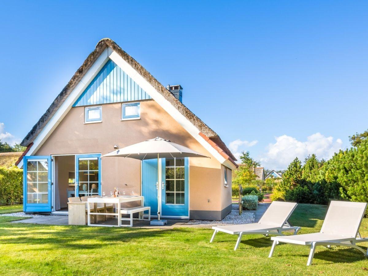 Die Außenansicht mit Garten Ferienwohnung, Ferienhaus