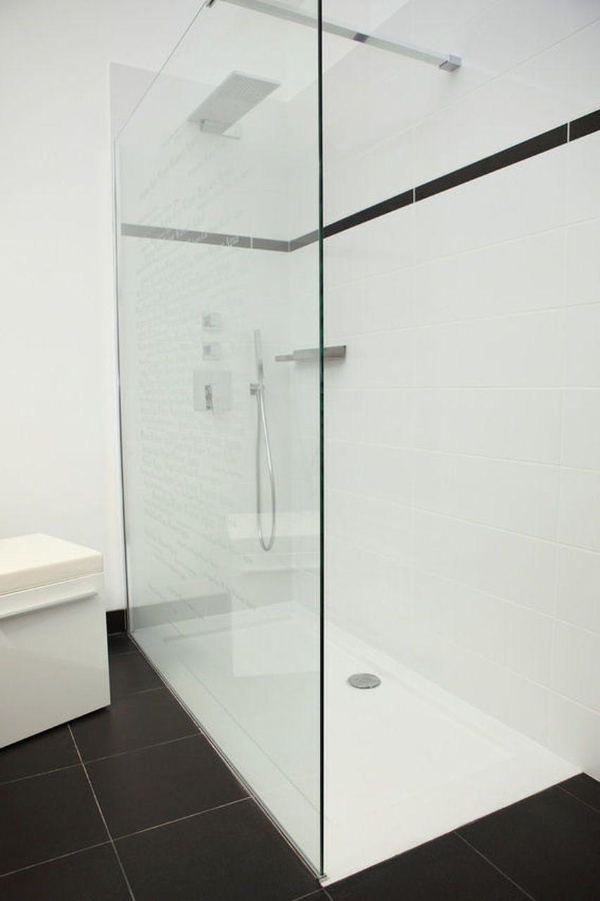 Dusche Aus Glas Mit Aufsatz Edles Design Schlicht Und Schon Eckdusche Glasdusche Badezimmer Bad Edel Sch Glasduschen Dusche Umgestalten Walk In Dusche