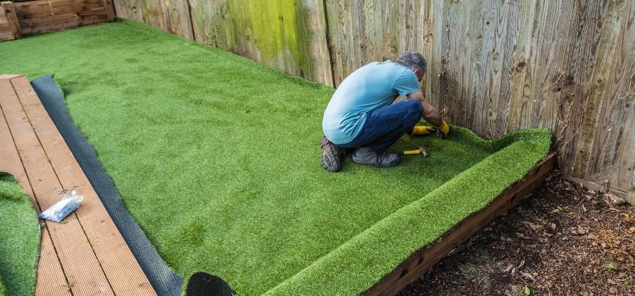 How to clean and maintain artificial grass gardening
