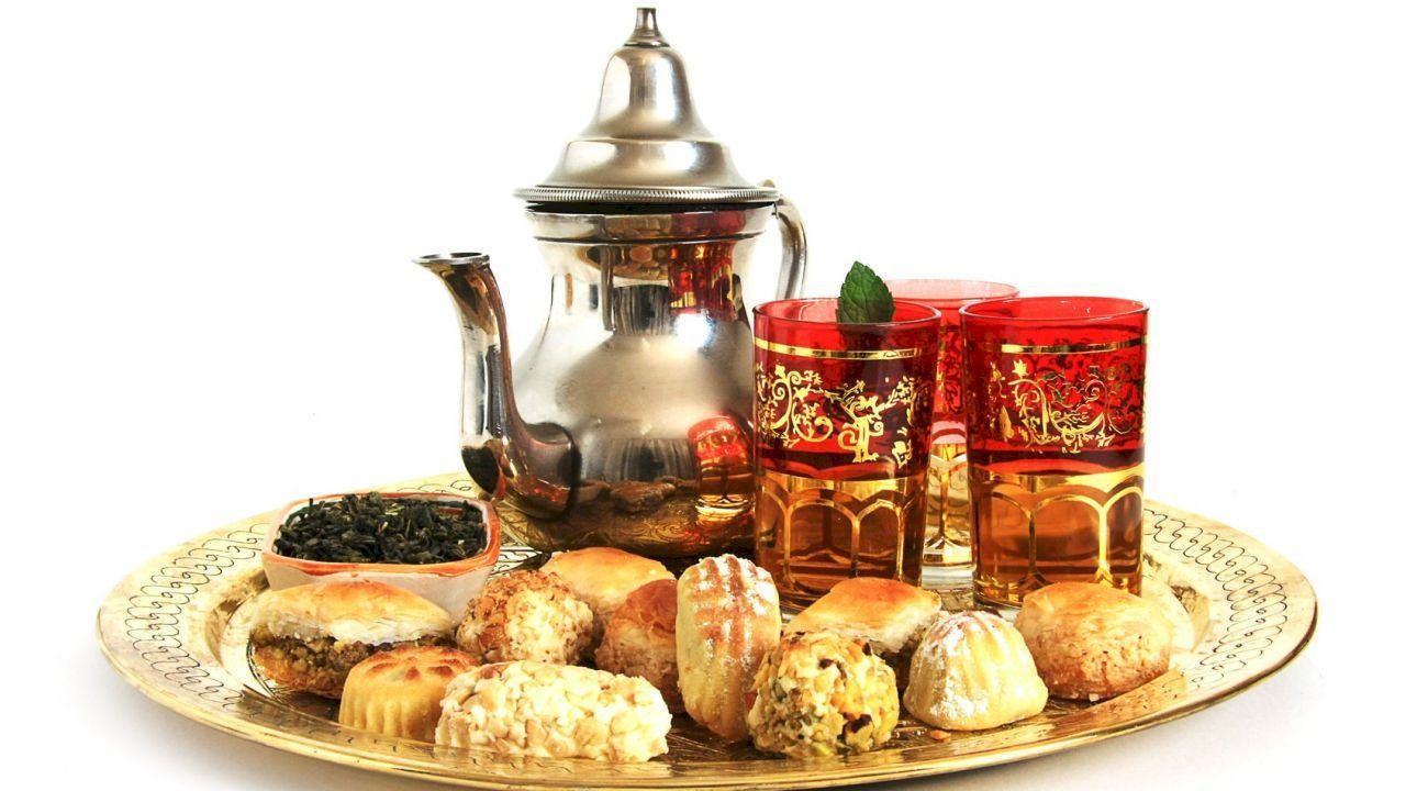 8359 المطبخ الجزائري يعد المطبخ الجزائري من المطابخ العربية المشهورة بأطباقها الهشية والمميزة، والغنية بالعديد من العناصر الغذائية اللازمة #فن_الطهي #حلو_عربي #algerian #traditional #sweets