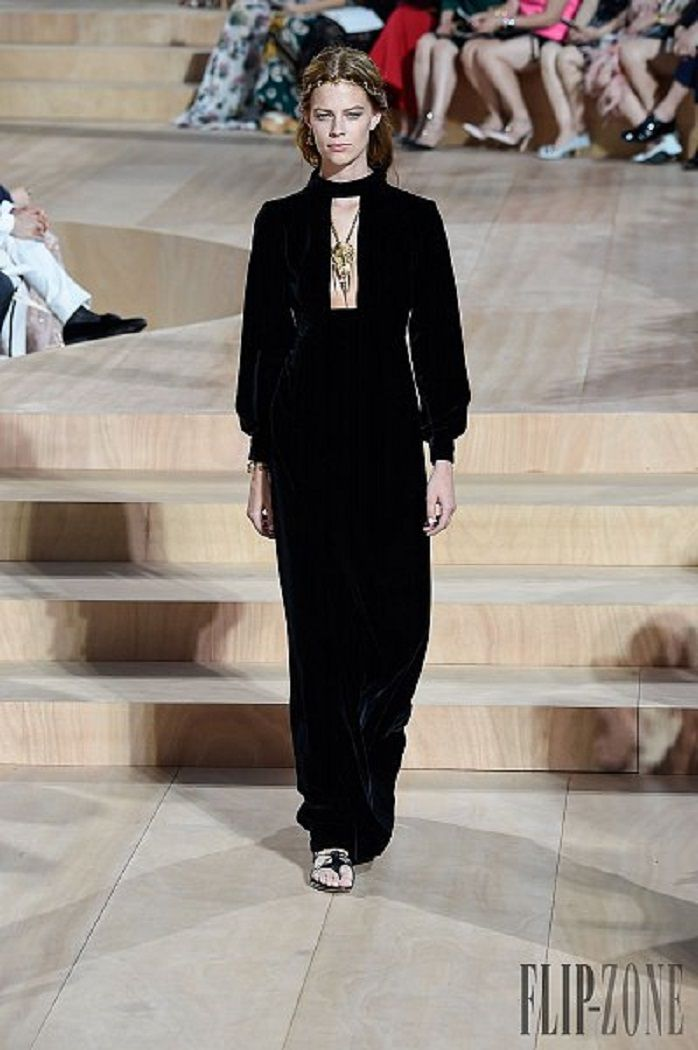 Valentino - Couture Fall-Winter 2015-2016 Collection