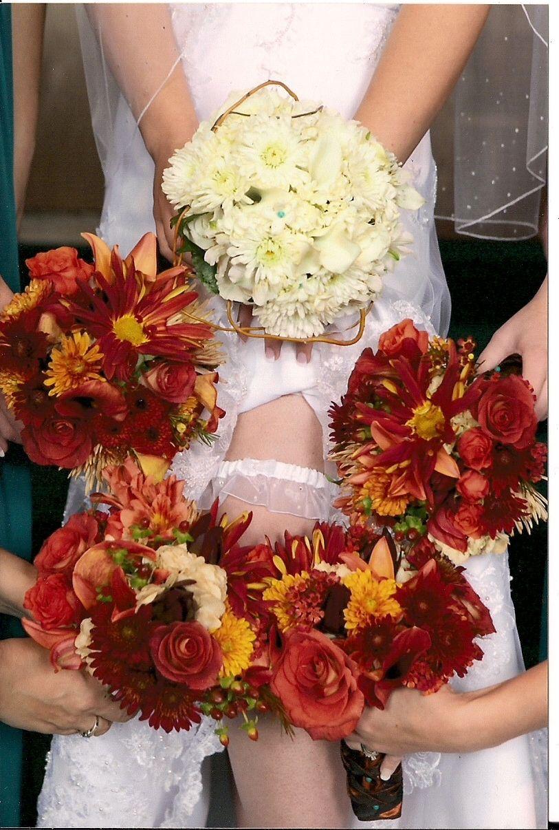 fall wedding flowers Fall wedding flowers, Inexpensive