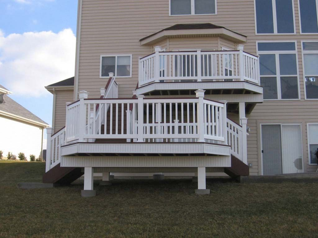 Another great deck design! Could you imagine the kind of entertaining you could do with a deck like this? 636.379.8889